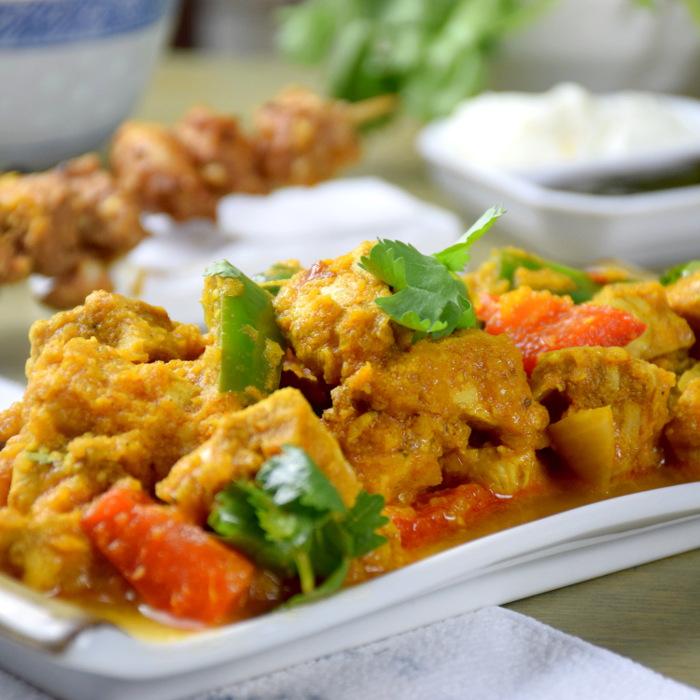 Chicken tikka masala side view