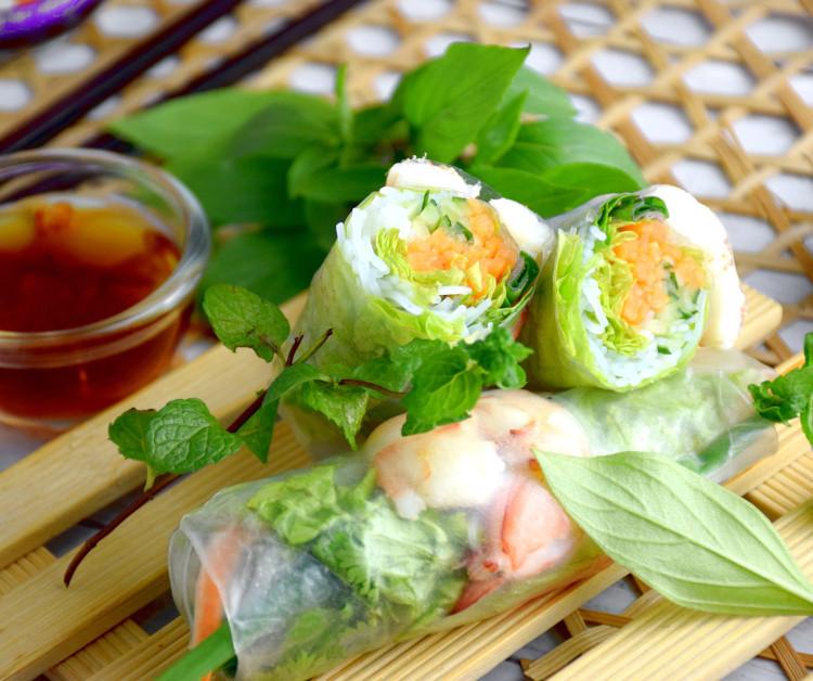 easy Vietnamese rice paper rolls recipe