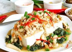 Chinese tofu recipe (with mushroom and meat sauce)