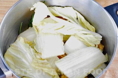 Pork meatballs - cabbage