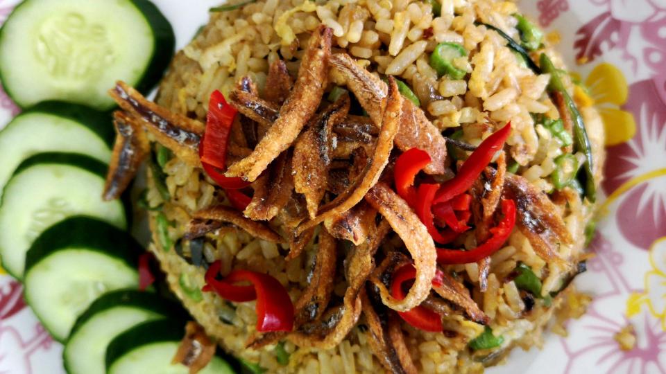 Nasi goreng kampung – How to cook the best Indonesian fried rice
